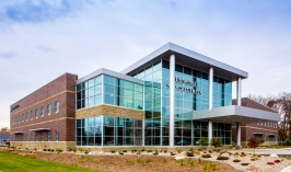 Minnetonka Medical Center | Entered by The Davis Group (Medical Office / Medical)