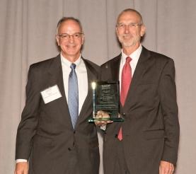 2016 NAIOP MN President Mark Reiling & 2016 President's Award Recipient David Kordonowy